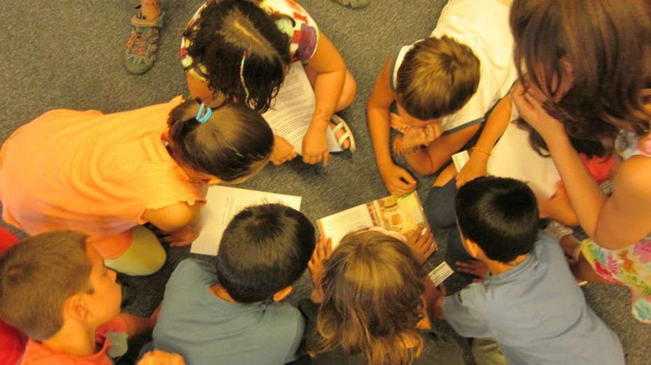 biblioteques_nens_1.jpg - 364.43 KB