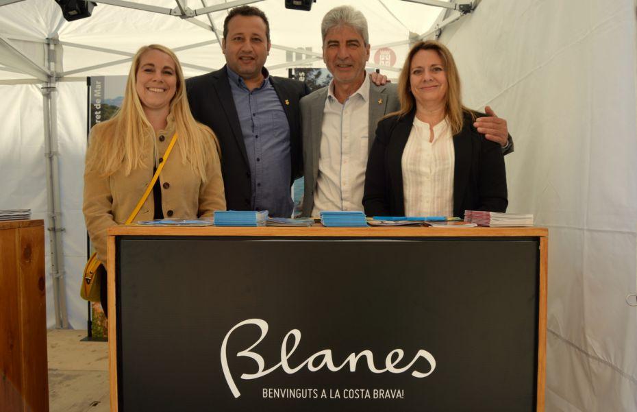 Blanes blanes es promociona al mercat del ram de vic i for Oficina de treball blanes